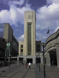Torre del reloj en Bruxelles Nord