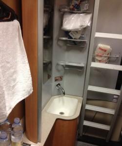 Lavabo, compartimento camas