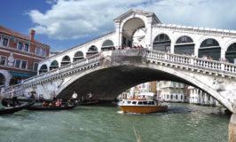 Ponte di Rialto sobre el Gran Canal